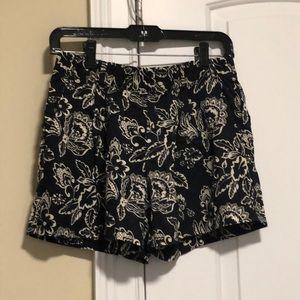 Loft patterned shorts, size 00